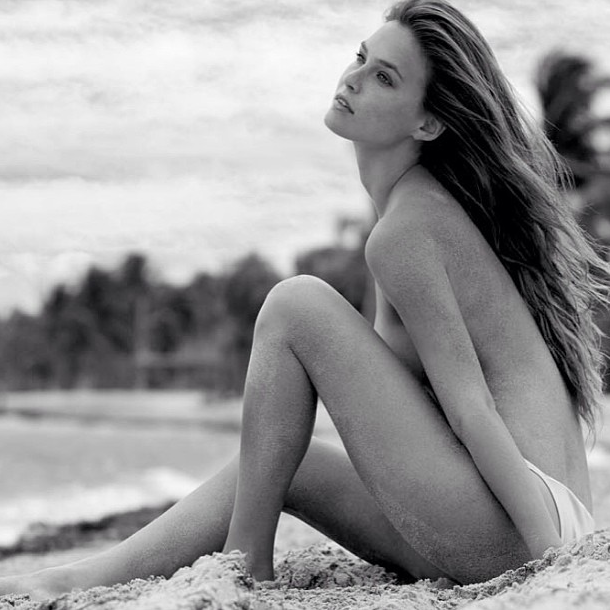 Melanie Rios est une latine bien chaude - Streaming Sex