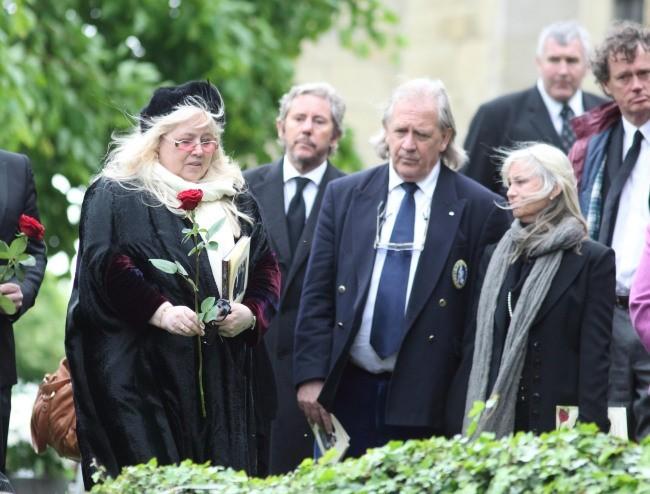 Dwina Gibb lors de l'enterrement de son mari Robin Gibb, le 8 juin 2012.