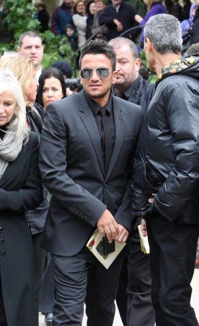 Peter Andre lors de l'enterrement de Robin Gibb, le 8 juin 2012.