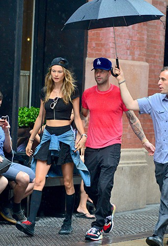 Behati Prinsloo et Adam Levine à New-York le 2 septembre 2013