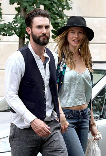 Behati Prinsloo et Adam Levine à New-York le 28 juillet 2013