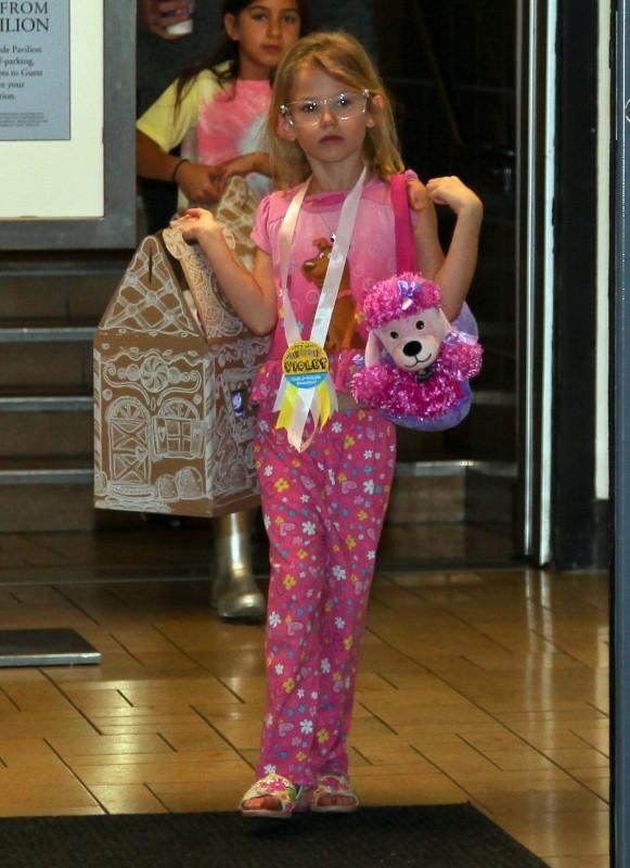 Violet Affleck le 1er décembre 2012 à Westwood