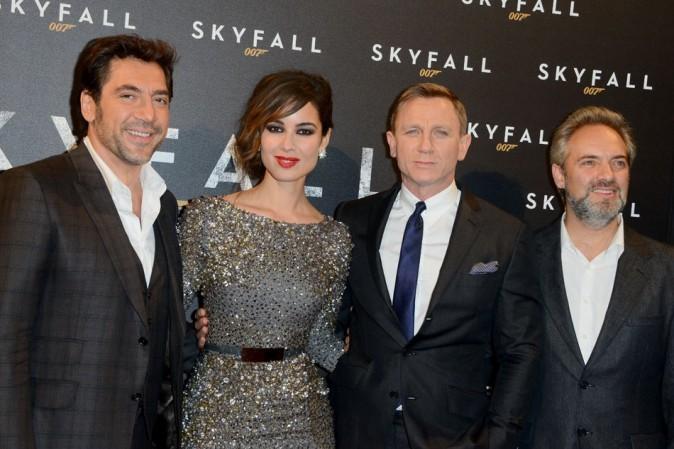 Javier Bardem, Daniel Craig, Sam Mendes et Bérénice Marlohe le 24 octobre 2012 à Paris