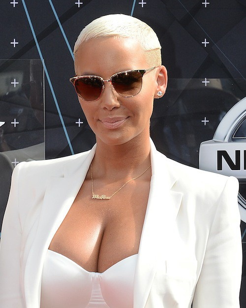 Photos : BET Awards 2015 : Amber Rose et Blac Chyna : le bisou de soutien au mariage gay !