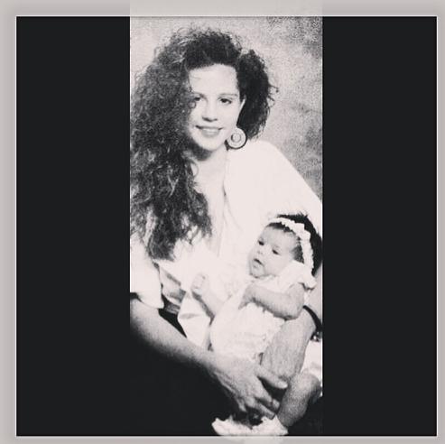 Selena Gomez dans les bras de sa mère !