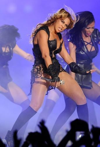 Photos : Beyonce au Superbowl : les clichés qu'elle aimerait voir disparaître !
