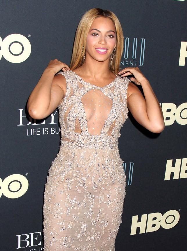 Beyoncé au Ziegfeld Theater de New-York pour la première de Life Is But A Dream le 12 février 2013