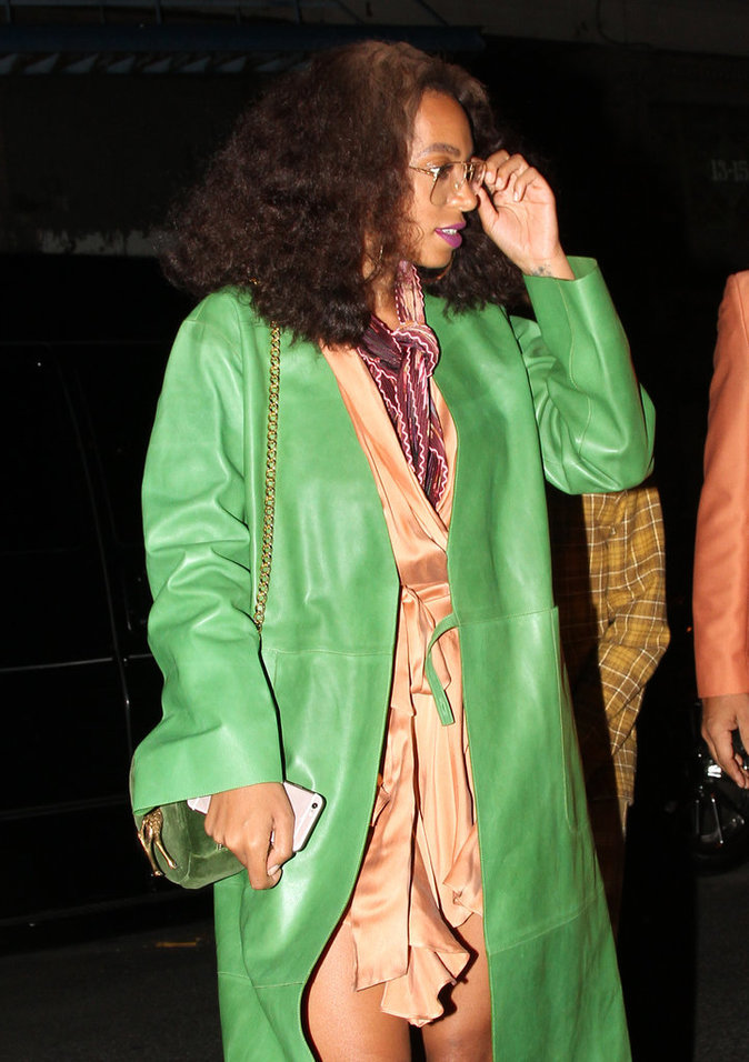 Photos : Beyoncé chauffe à mort Jay-Z... devant Alicia Keys, Cassie et Solange !