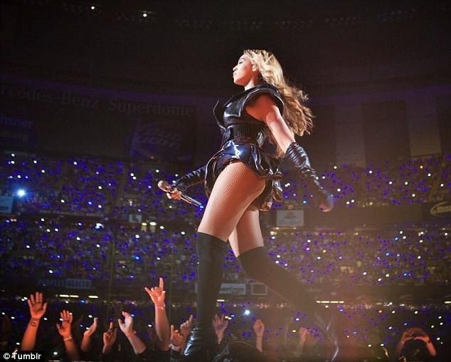 Beyoncé lors du Super Bowl, le 3 février 2013.