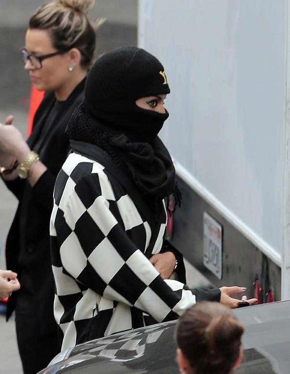 Beyoncé en mode incognito à Los Angeles le 13 novembre 2013