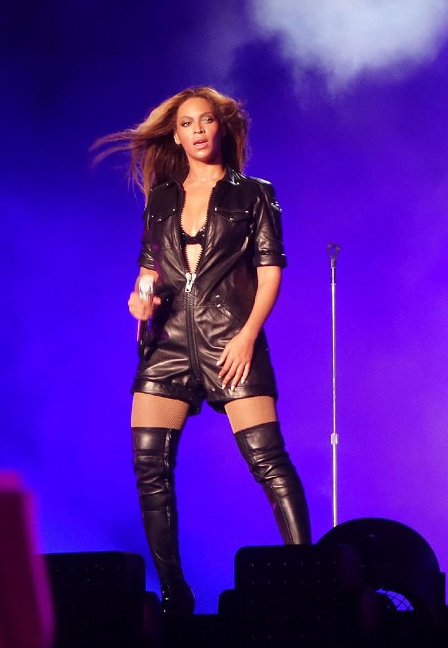 Beyoncé et Jay-Z en concert au Sun Life Stadium in Miami Gardens le 25 juin 2014