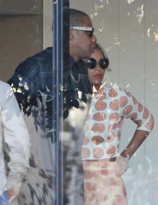 Beyoncé et Jay-Z dans un restaurant végétarien de West Hollywood le 4 décembre 2013