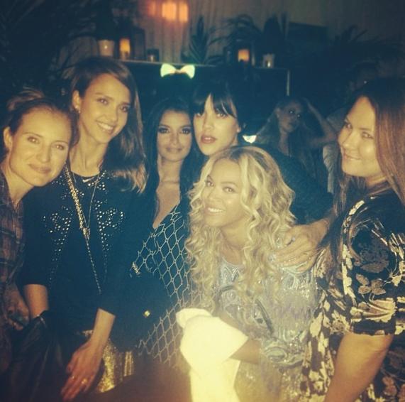 Jessica Alba et ses copines s'offrent un cliché avec Beyoncé !