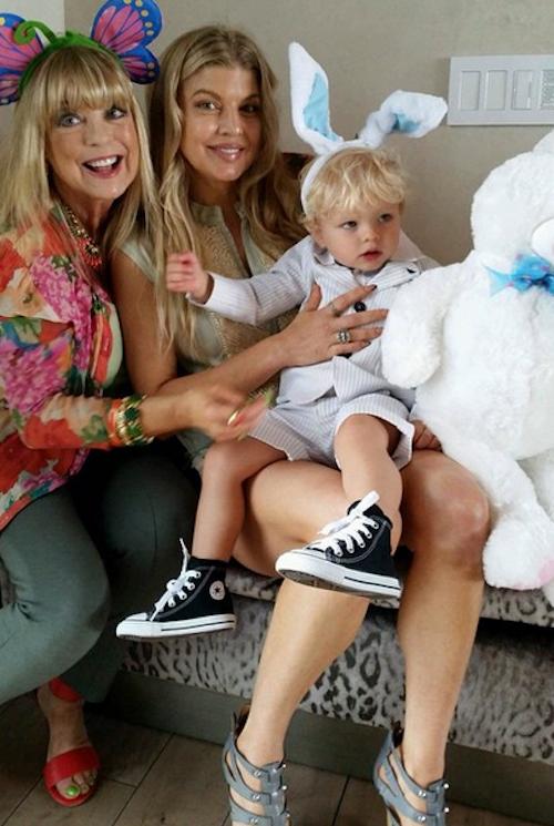 Fergie avec sa mère et son fils, Axl