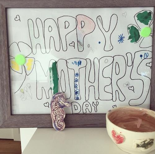 Miranda Kerr a reçu un beau dessin de son fils, Flynn