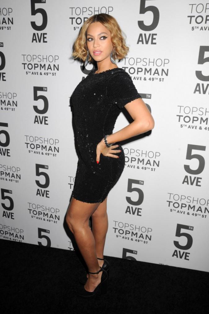 Photos : Beyoncé : la chanteuse la mieux payée s'affiche divine chez Topshop (pour 100 euros) !