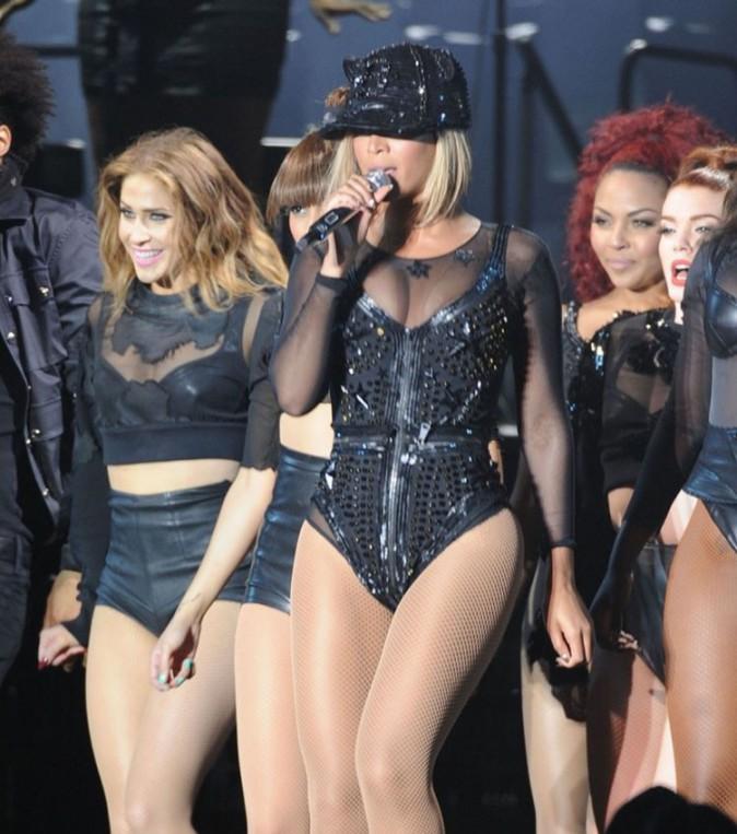 Beyoncé sur la scène du V Festival le 17 août 2013