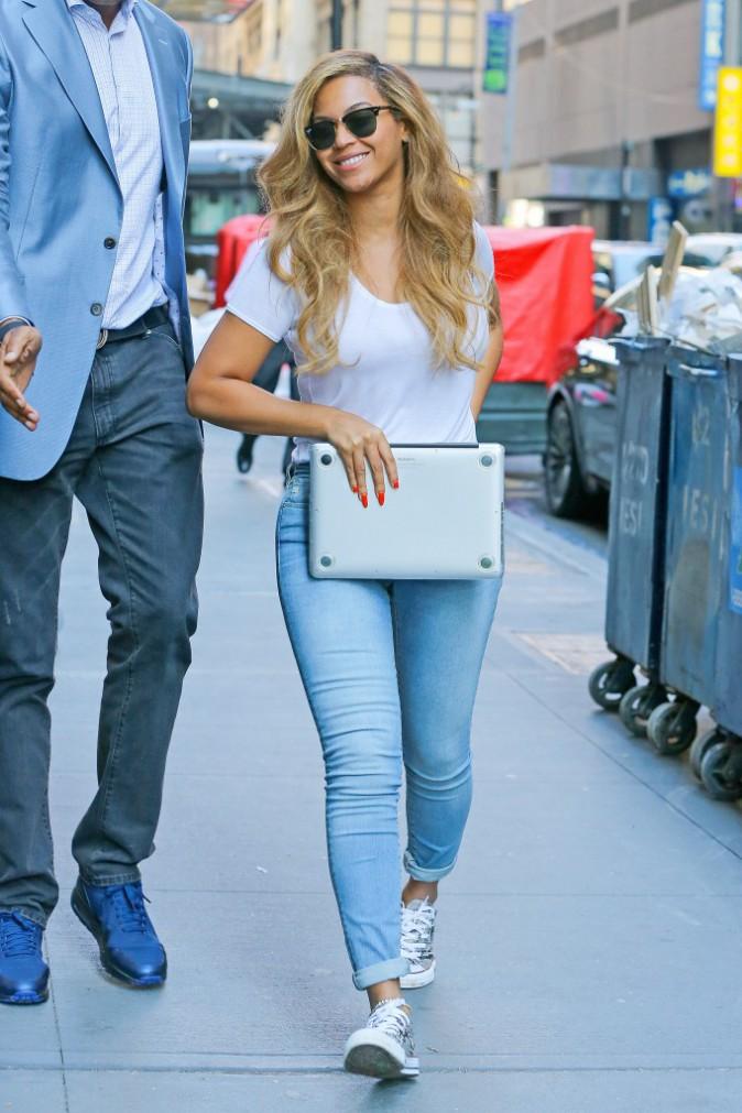 Photos : Beyoncé : pendant que Solange s'éclate en famille, elle bosse !