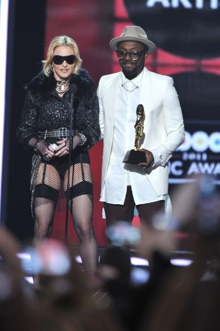 Madonna et Will.i.am lors de la cérémonie des Billboard Music Awards à Las Vegas, le 19 mai 2013.