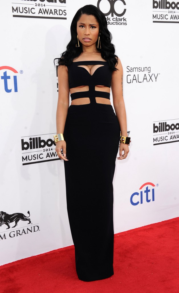 Photos : Billboard Music Awards 2014 : Nicki Minaj : la poitrine à l'air, la bimbo s'affiche provocante sur redcarpet !