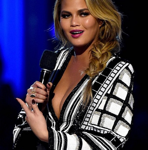 Photos : Billboard Music Awards 2015 : Chrissy Teigen, jamais sans John Legend et ses décolletés !