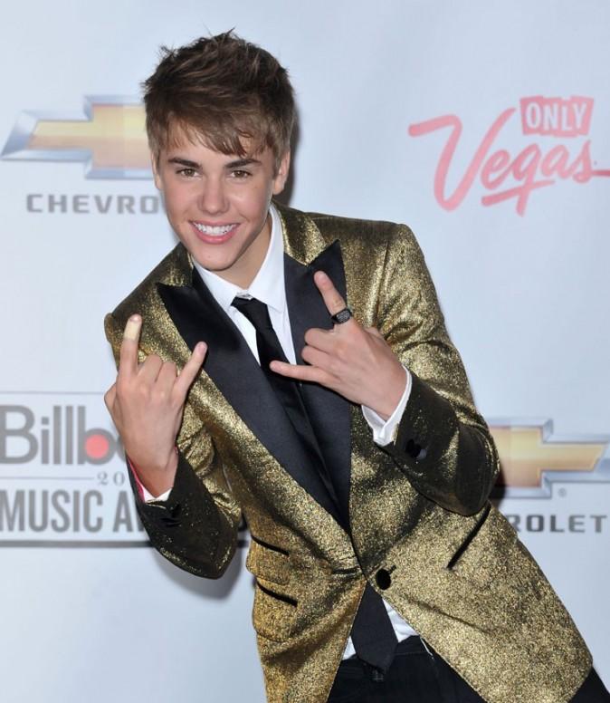 Une copine sublime et plein de prix, Justin Bieber peut être content !