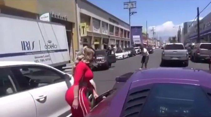Blac Chyna dans les rues de Los Angeles hier