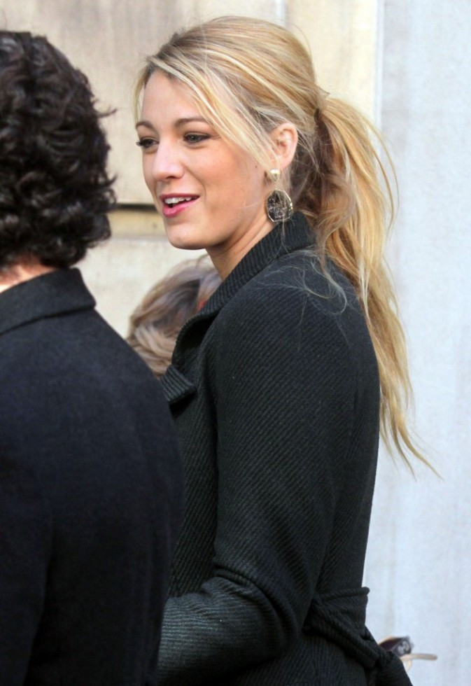 Blake Lively sur le plateau de tournage de la série Gossip Girl à New York, le 25 octobre 2011.