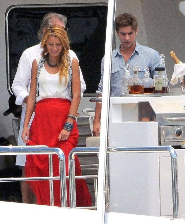 Blake Lively et Chace Crawford sur le tournage de Gossip Girl à Los Angeles, le 3 août 2011.