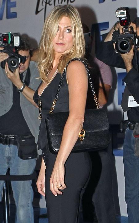 Jennifer Aniston, un fessier d'acier grâce à des exercices ciblés