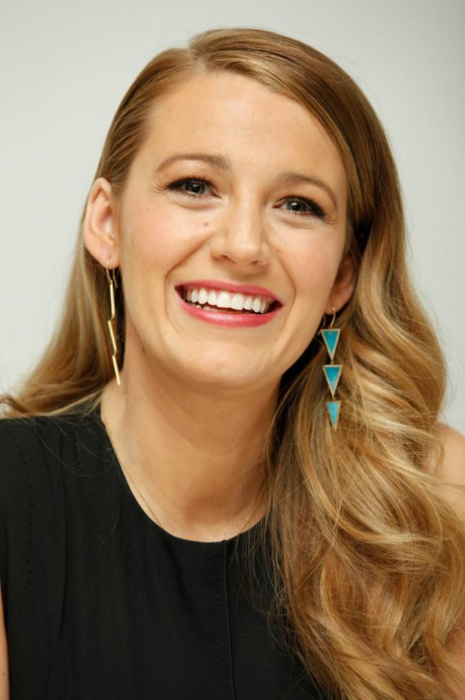 "Photos: Blake Lively : maman radieuse pour la promo du film ""The Age of Adaline"""