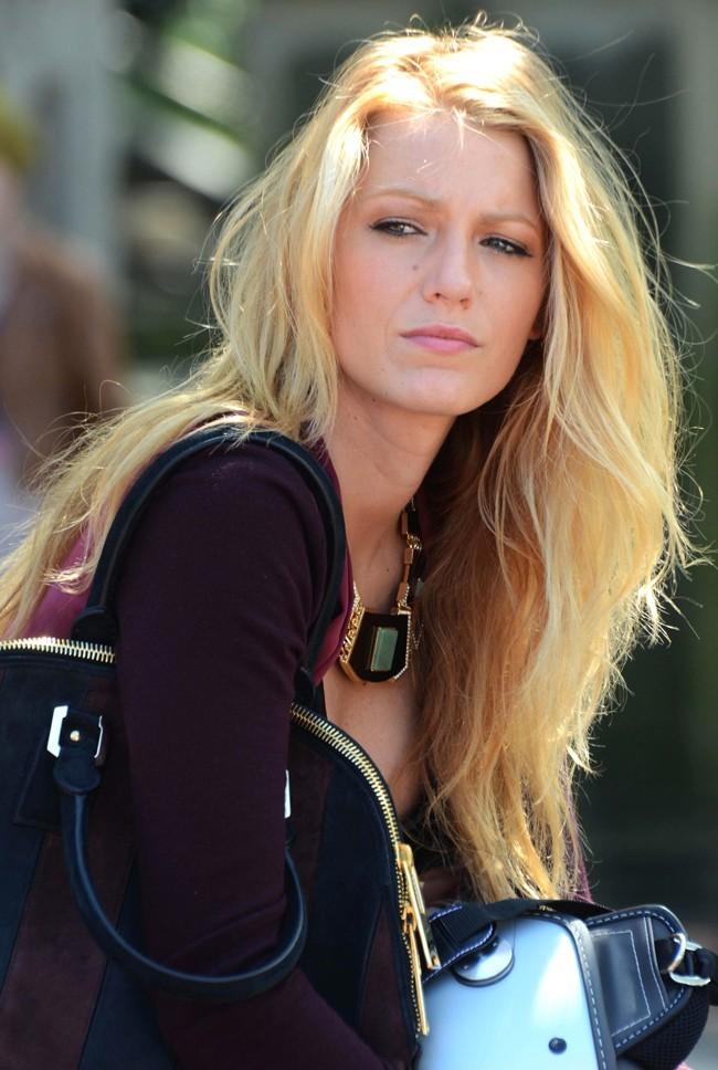 Ficha de Ruth Howard-No Terminada- Blake-Lively-le-28-aout-2012-a-New-York_portrait_w674