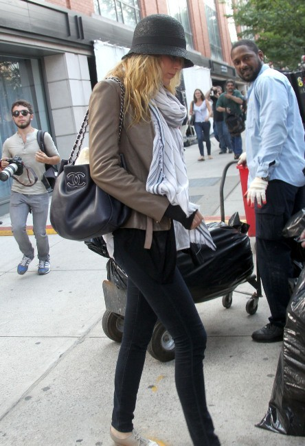 Blake Lively sur le tournage de Gossip Girl à Brooklyn à New York, le 17 septembre 2012.