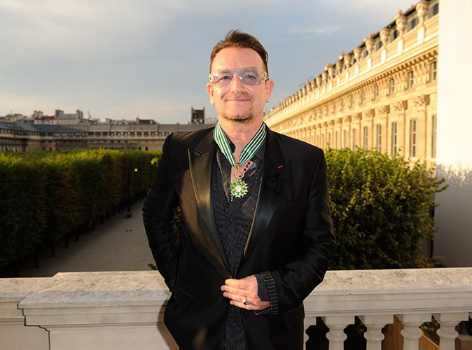 Bono reçoit un nouveau titre honorifique à Paris le 16 juillet 2013