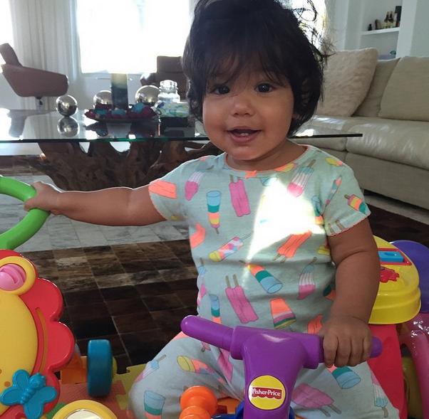 Photos : Booba : arrivée imminente du baby boy, Luna fait ses premiers pas !