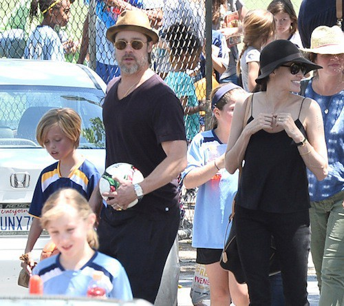Photos : Brad Pitt et Angelina Jolie : une famille ordinaire avec Zahara et Shiloh !
