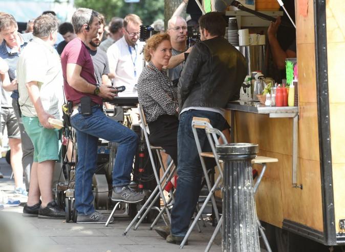 Bradley Cooper et Uma Thurman : ambiance ultra-détendue... ils passent de très bons moments sur le tournage de leur prochain film !