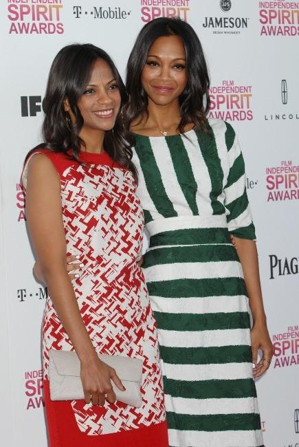 L'actrice est venue accompagnée de sa très jolie soeur