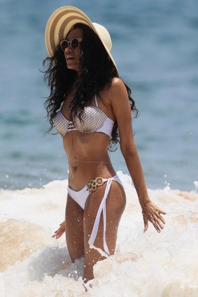 Bria Murphy en vacances à Hawaï le 11 juin 2013