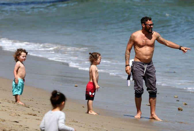 Brian Austin Green et Megan Fox : en famille, plus unis que jamais à la mer !