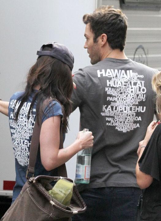 Ils ont mis le même tee-shirt pour montrer qu'ils sont unis ?