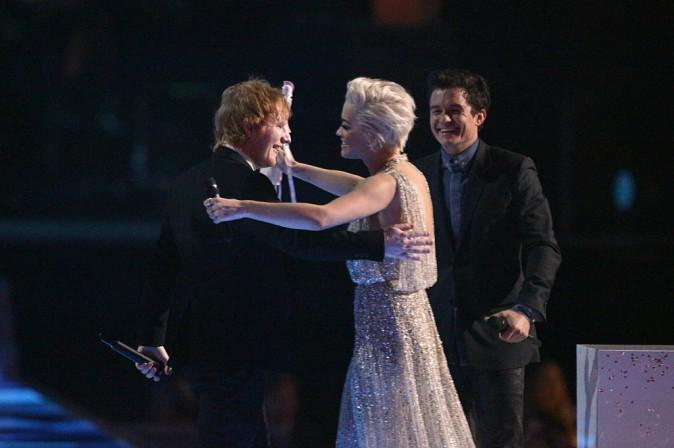 Photos : Brit Awards 2015 : Ed Sheeran fête sa double victoire avec une grosse cuite !