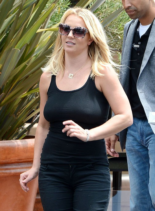 Britney Spears avec son boyfriend David Lucado à Thousand Oaks le 22 juillet 2013