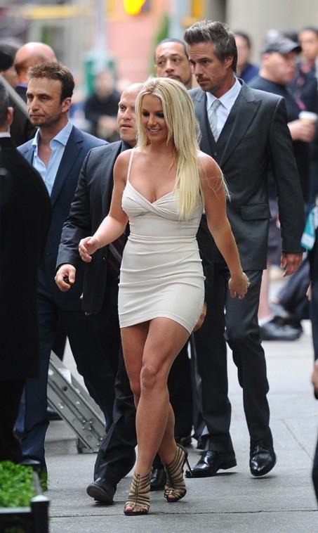 Britney Spears arrive à la conférende de presse X Factor