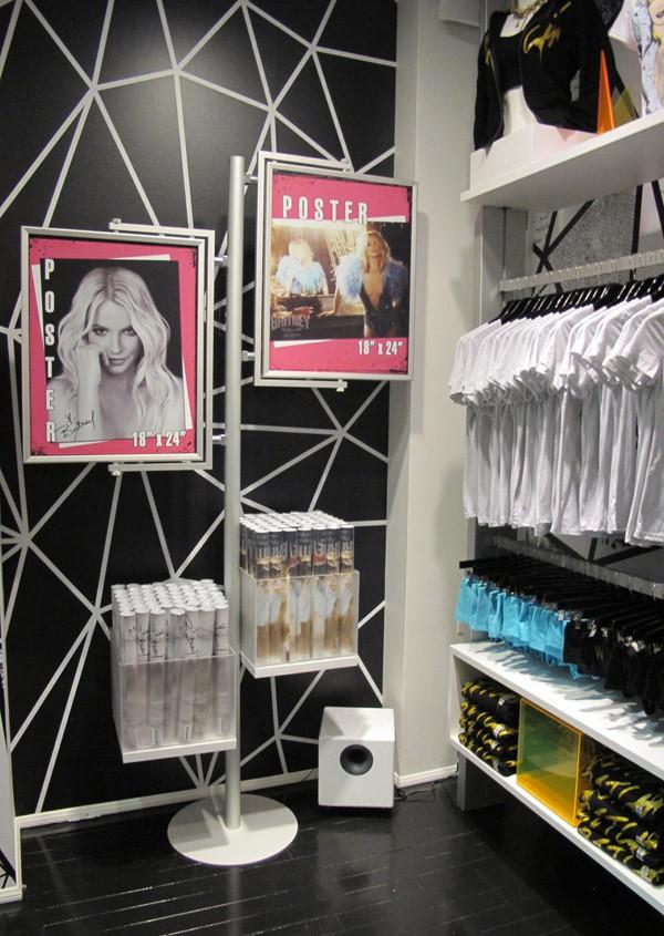 La boutique est prête à accueillir les fans !