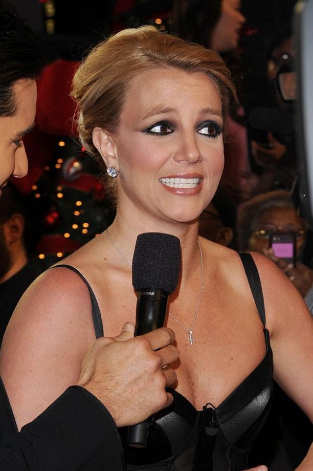 Britney Spears pour la grande finale d'X Factor à Los Angeles le 20 décembre 2012
