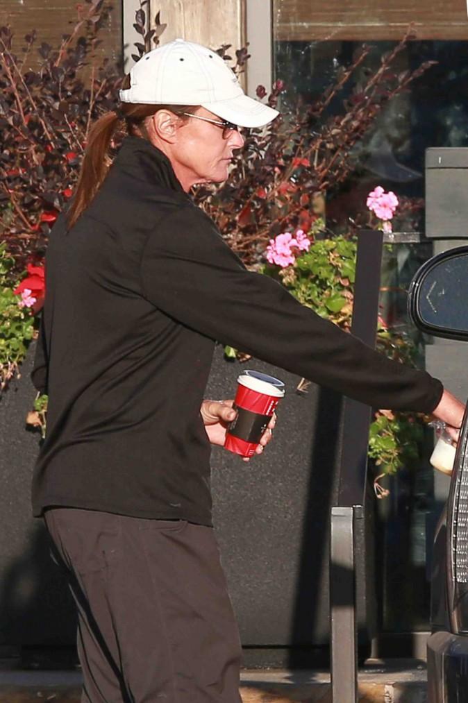 Bruce Jenner : divorcé, il continue de porter son alliance !