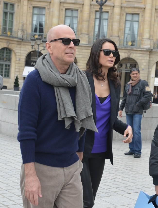 Bruce Willis et sa femme Emma à Paris le 16 octobre 2012