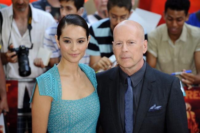 Bruce Willis et Emma Heming lors de la première de Red 2 à Londres, le 22 juillet 2013.