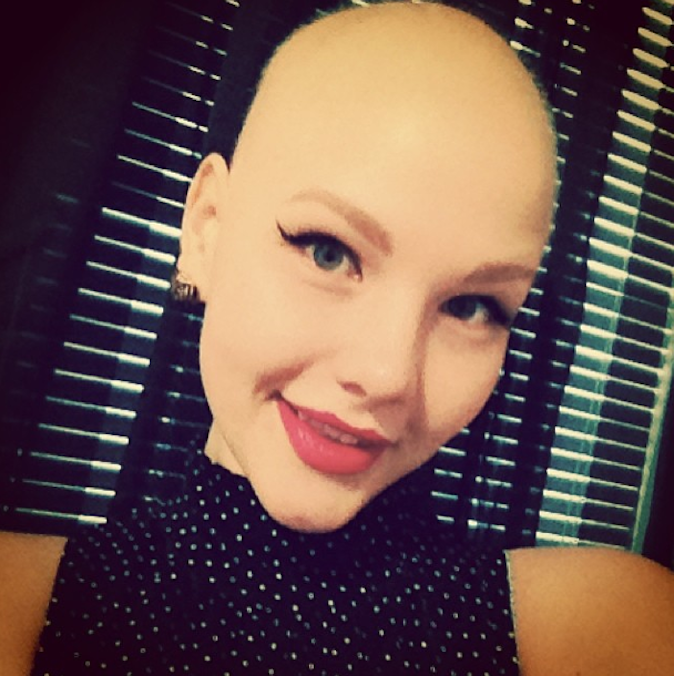 Elly Mayday, atteinte d'un cancer des ovaires et égérie de lingerie !